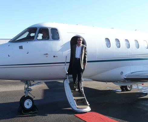 Tom plane